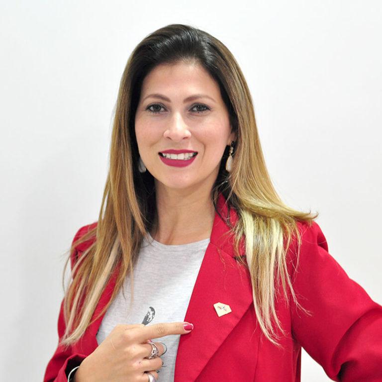 Vaneska Haracemko - Consultora diamante Fonzaghi.